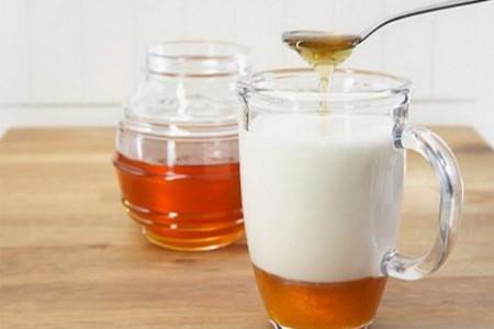 آشنایی با خطرات جبران ناپذیر مصرف شیر و عسل