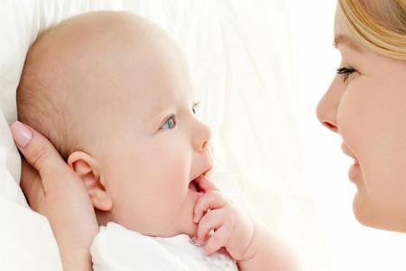آیا باز شدن زبان کودک با خوردن تخم کفتر امکان پذیر است ؟