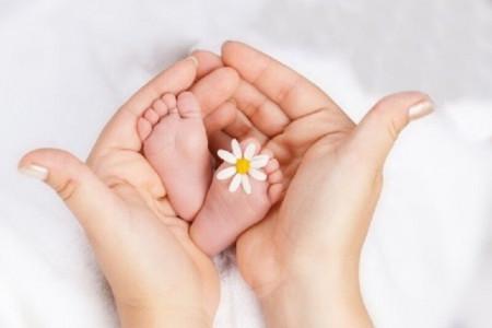 حکم شرعی درمان نازایی و رحم اجاره ای چیست ؟