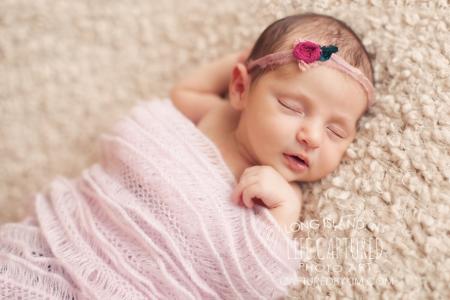 فواید و عوارض جبران ناپذیر قنداق کردن نوزاد