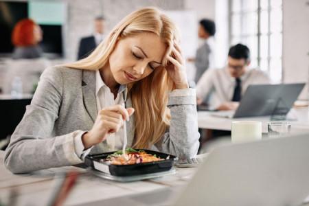 علت سردرد در رژیم کتوژنیک چیست ؟