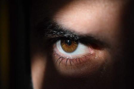 علت چشم چرانی یا اختلال تماشاگری جنسی چیست ؟