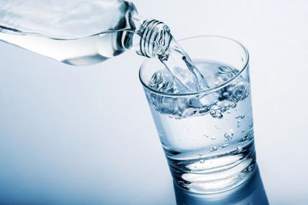 آب قلیایی چیست و چه عوارضی دارد ؟