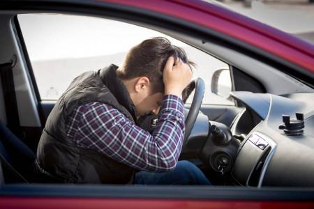 خطرات رانندگی با باک خالی برای خودرو