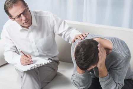 روانپزشک کیست ؟ چه کسانی نیاز به روانپزشک دارند ؟