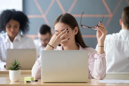 سندروم مشکلات بینایی ناشی از کامپیوتر (CVS) و درمان آن