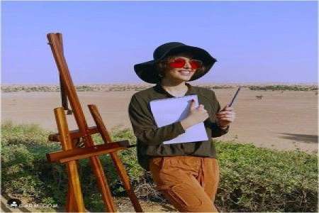 عکس ریحانه پارسا با بوم نقاشی در دل طبیعت