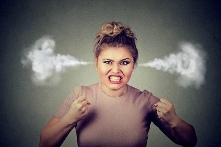 خواب عصبانی بودن چه تعبیری دارد