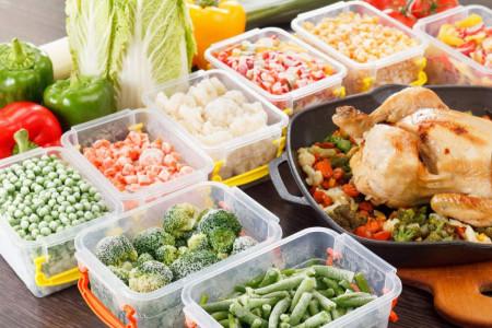 کدامیک از غذاها را هرگز نباید فریزری کرد و چرا؟