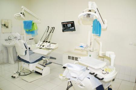 لیست کلینیک های دندانپزشکی قم به همراه آدرس و تلفن