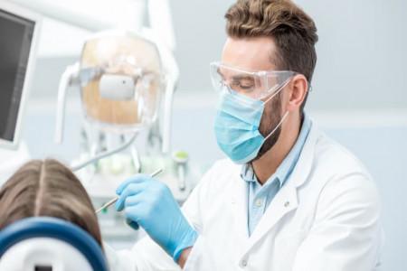لیست کلینیک های دندانپزشکی کرمان همراه با آدرس و تلفن