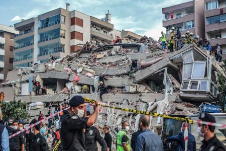شعر زلزله | بهترین و زیباترین اشعار احساسی و غمگین برای زلزله