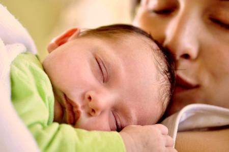 رابطه نوزاد و مادر و تاثیر آن در رشد شخصیت کودک