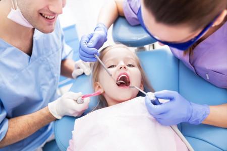 تاریخ روز دندانپزشک در تقویم 99 چه روزی است ؟