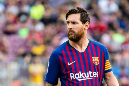 تماس اولیه باشگاه بارسلونا با پدر مسی برای تمدید قرارداد