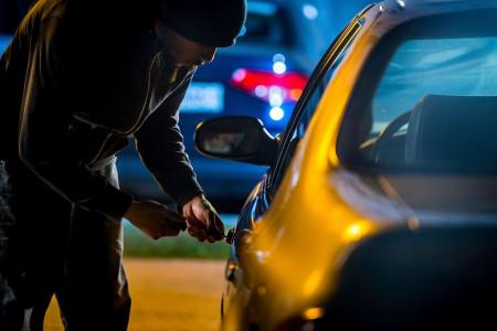 چگونه از سرقت ماشین خود جلوگیری کنیم؟