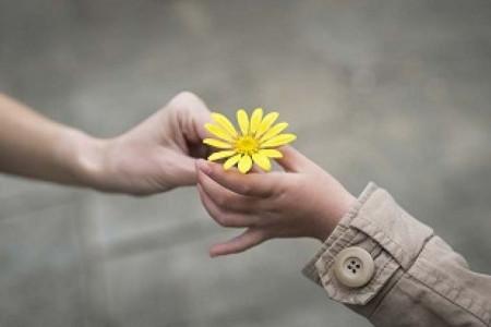 چگونه با دیگران مهربان باشیم ؟