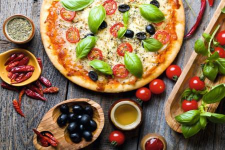 طرز تهیه خمیر پیتزا ایتالیایی خوشمزه و لذیذ