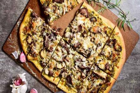 طرز تهیه پیتزا گوشت و قارچ به 2 روش آسان
