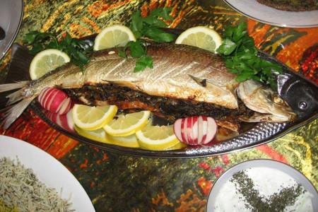سبزی ماهی شکم پر شمالی چیست ؟ فوت و فن های پخت ماهی شکم پر