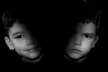اختلال دوقطبی در کودکان : علائم و تشخیص بیماری دوقطبی در کودکان