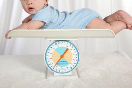 علت، علائم، تشخیص و درمان کم وزنی کودکان