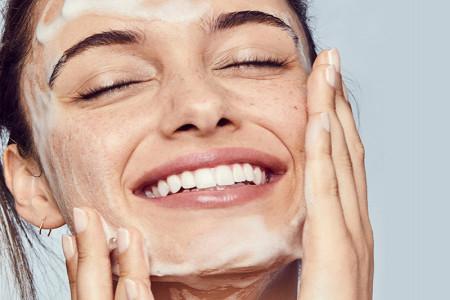 بهترین نمونه های ژل شستشوی صورت + خرید
