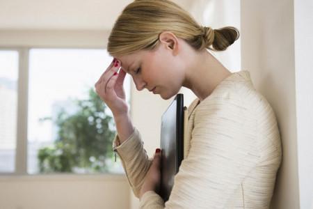 اختلال افسردگی پیش از قاعدگی (PMDD) و علائم آن