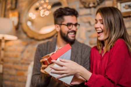 30 متن عاشقانه تبریک پیشاپیش روز مادر و روز زن به همسر