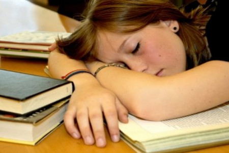 چگونه کمتر بخوابیم؟