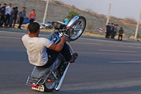 موتور سواری نمایشی در بندرعباس