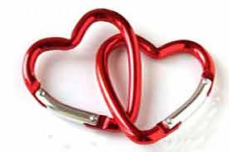 معاشقه زوجین با ابزار مصنوعی از نظر شرعی چه حکمی دارد؟