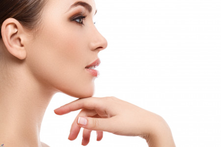 راه های مناسب برای جوانسازی و سفت کردن پوست گردن در منزل