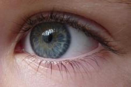 چه بیماریهایی شبکیه چشم را تهدید میکند؟