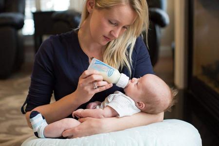 شیر نخوردن نوزاد در بیداری، دلیلش چیه؟