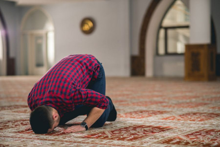 چرا اهل سنت بدون مهر نماز میخوانند؟