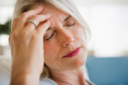 بهترین اسانس ها و روغن های گیاهی برای درمان سردرد و راه های استفاده از آنها