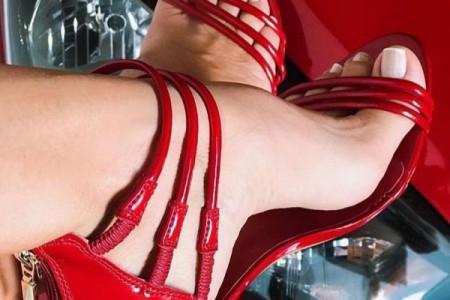 ۵۰ مدل طراحی ناخن پا جدید ۹۸ با طرحهای بینهایت شیک و مجلسی