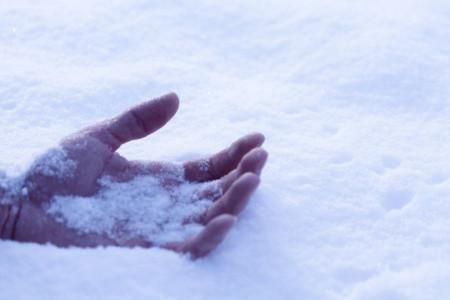 ۱۲ روش خانگی برای درمان یخ زدگی تمام نقاط بدن