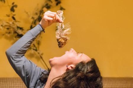 بلع غذا : ۱۶ روش خانگی برای درمان مشکل بلع غذا