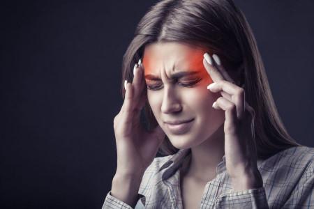 نشانه ها و علائم شروع سردردهای میگرنی کدامند ؟