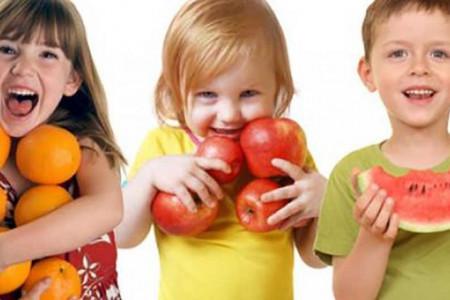 بهترین سن شروع میوه در کودکان چه سنی است ؟