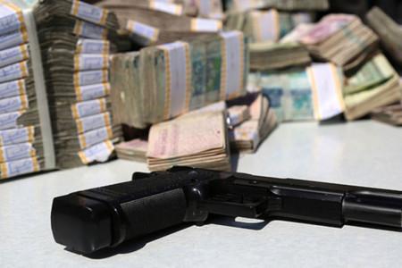 سرقت مسلحانه از بانک صادرات ساوه + عکس
