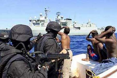 گروگانگیری محمد شریف توسط دزدان دریایی
