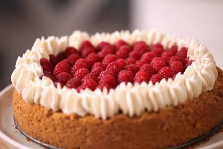 طرز تهیه کیک تمشک