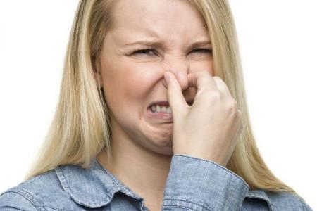 ۱۱ ترفند برای از بین بردن بوی بد غذای سرخ شده در فضای خانه