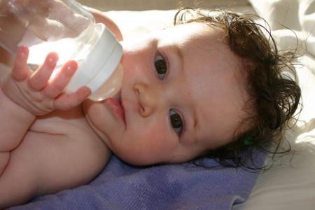 درمان گرمازدگی در کودکان و راه های جلوگیری از این عارضه