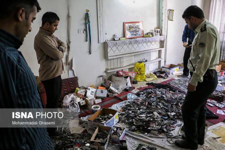 تصاویر دستگیری مالخر گوشیهای سرقتی در تهران
