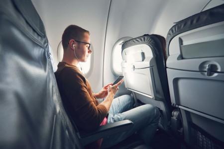 استفاده از تلفن همراه در هواپیما