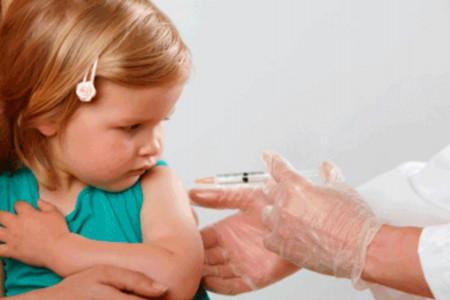 دلایل سفت شدن جای واکسن کودکان چیست؟